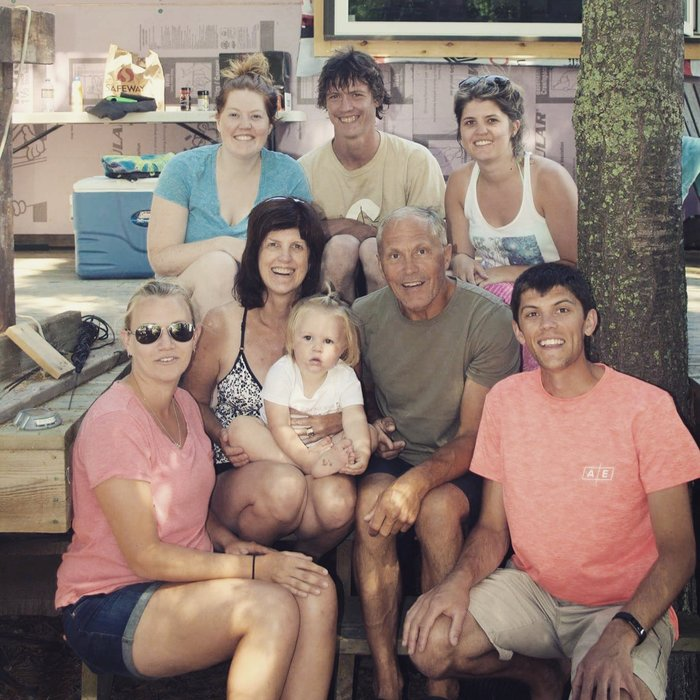 Leann and her family, a great support system when coping with hyperhidrosis.