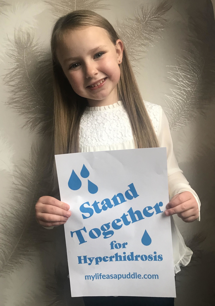 Jess from Liverpool has hyperhidrosis and is helping Maria from My Life as a Puddle Stand Together for Hyperhidrosis